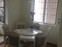 出售明珠小区精装三室使用面积195平米,带双花园