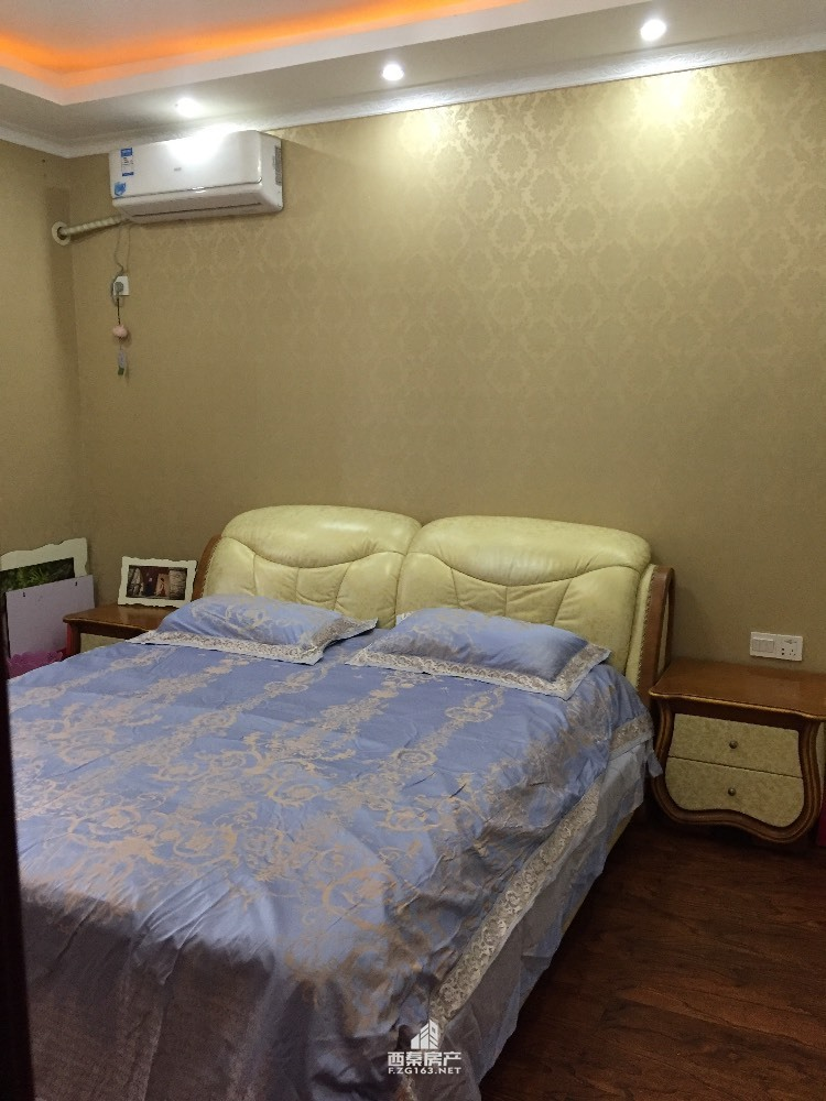出售 泰丰 新加坡花园3室2厅2卫110平米116万住宅