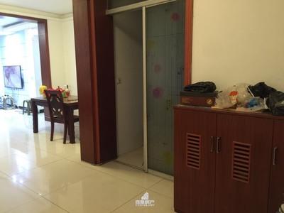 出售梨园小区3室2厅2卫135平米56万住宅