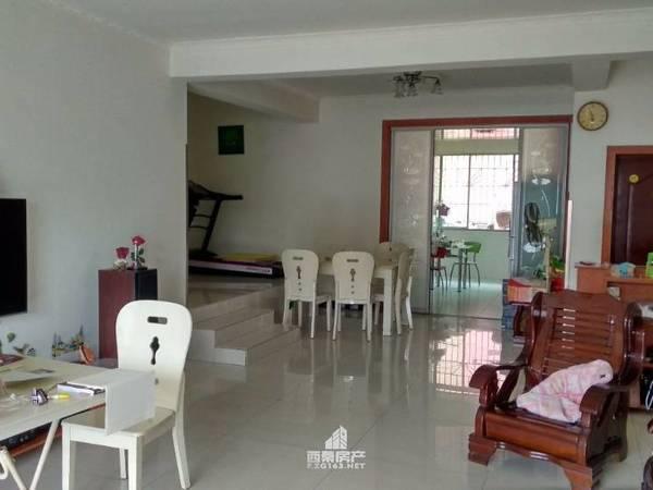 出售贡井区筱溪街东风路滨江小区3室3厅2卫143平米65万住宅