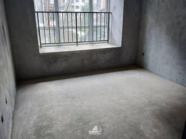 出售中港 燊海森林5室2厅2卫132平米98.8万住宅