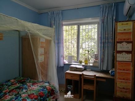 出售梨园二期国税小区4室2厅2卫住宅