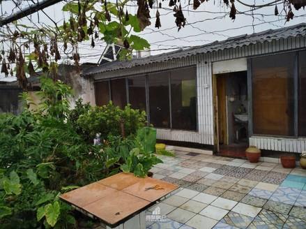 出售梨园小区3室2厅1卫133平米带屋顶花园