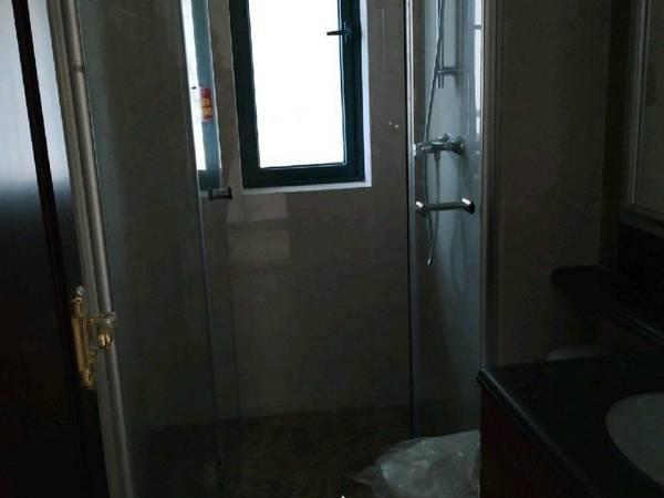 出售恒大名都3室2厅2卫107平米78万住宅
