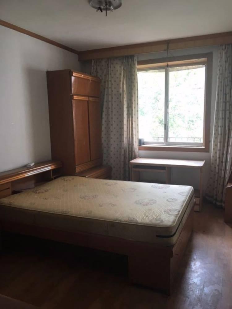 方冲小区30栋3室2厅2卫140平米面议住宅
