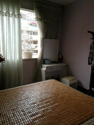 出售高森塘4室3厅2卫153平米62万住宅
