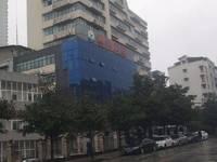 东锅厂,黄桶坪居委会一栋楼出租可分租一年100万租金,8000 平米商铺