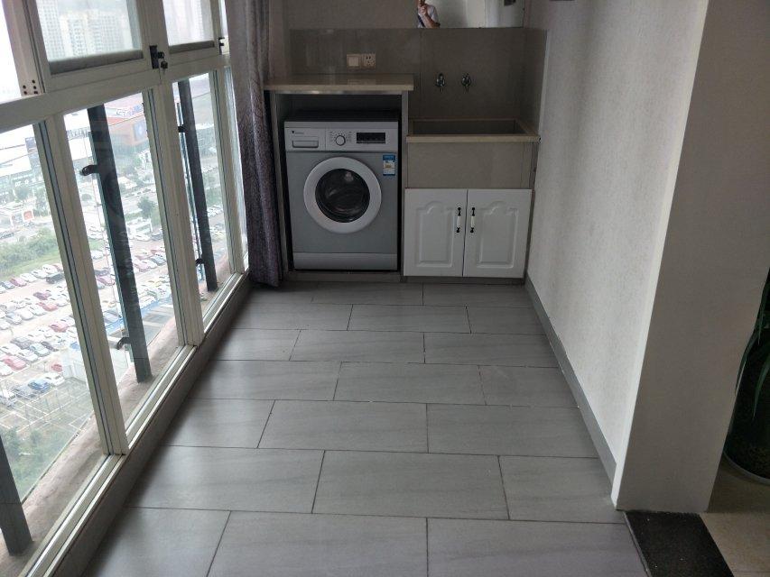 出售南湖华商附近水岸豪庭2室租房,精装修带所有家电家具,很干净,拎包入住。