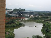 看湖 看湖 湖景房 总高8层的跃三层 带2个大花园 恒大绿洲龙湖时代旁
