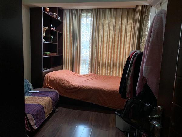 仁和半岛 带楼顶120平 包括2个储物间及卫生间 花园 学区房