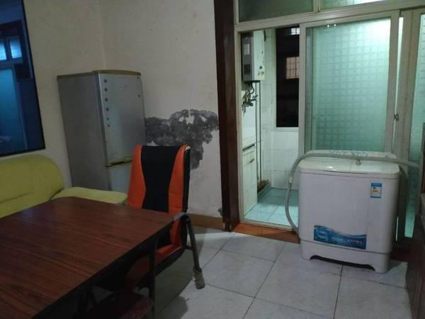 出租光大街大生枧1室1厅1卫44平米450元/月住宅