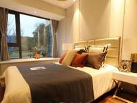 出售绿地 新里城3室2厅2卫101平米73万住宅