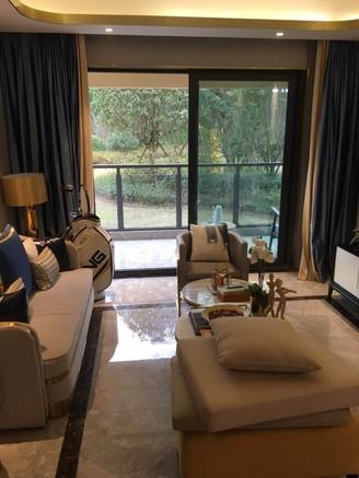 出售绿地 新里城3室2厅2卫115.58平米70万住宅