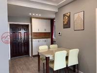 创新城高层72.5平精装2室有证,今年10月满2年,房东低价急售,钥匙在手随看房
