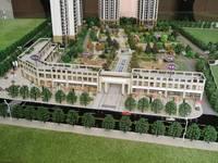 南湖核心地段,绿盛学校旁,2梯4户,17层总高绝版小洋房