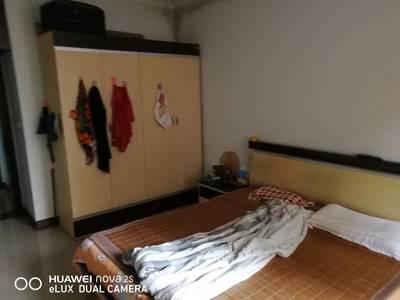 出售白果小区3室2厅2卫140平米55万住宅