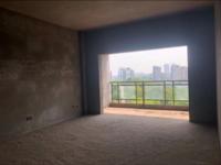 出售新美居家4室2厅2卫142平米75万住宅