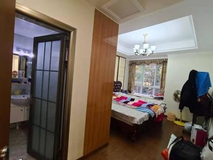 龙湖半岛3室2厅2卫,豪华装修,自住房