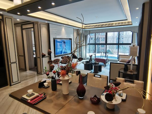 出售邦泰 天著3室2厅2卫104平米60.6万住宅