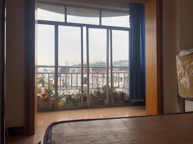 出租同兴路英皇对面2室2厅1卫80平米1000元/月住宅