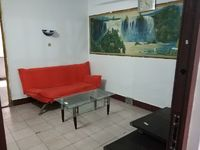 出租火车站三八路旁1室1厅1卫40平米400元/月住宅