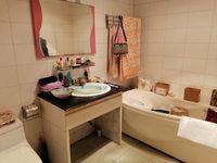 出售白果小区3室2厅2卫134平米38万住宅