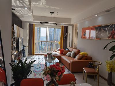 云湖一号精装现房出售 随时看房 三室双卫 拎包入住 楼层20楼 随时过户