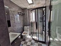 出售正黄 翡翠公园4室2厅2卫125平米82万住宅