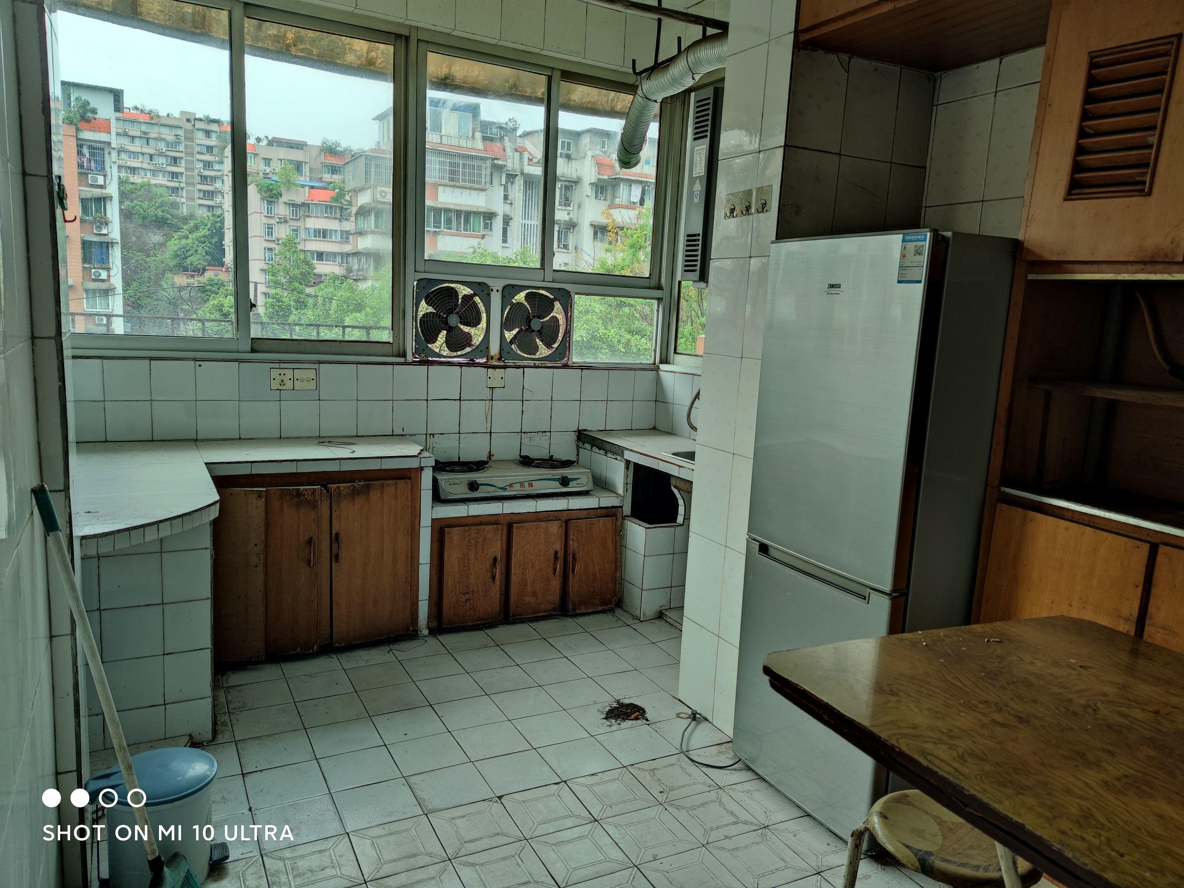 客运站旁交通苑2室2厅1卫 邻学校、菜市