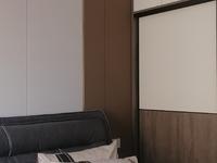 龙湖尚城精装小三室,拎包入住,产权满2年税费低,随时看房